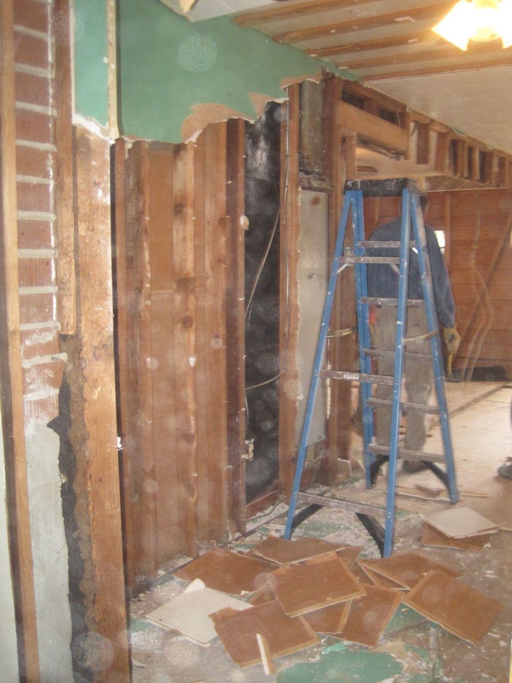 M - Demolition, ladder