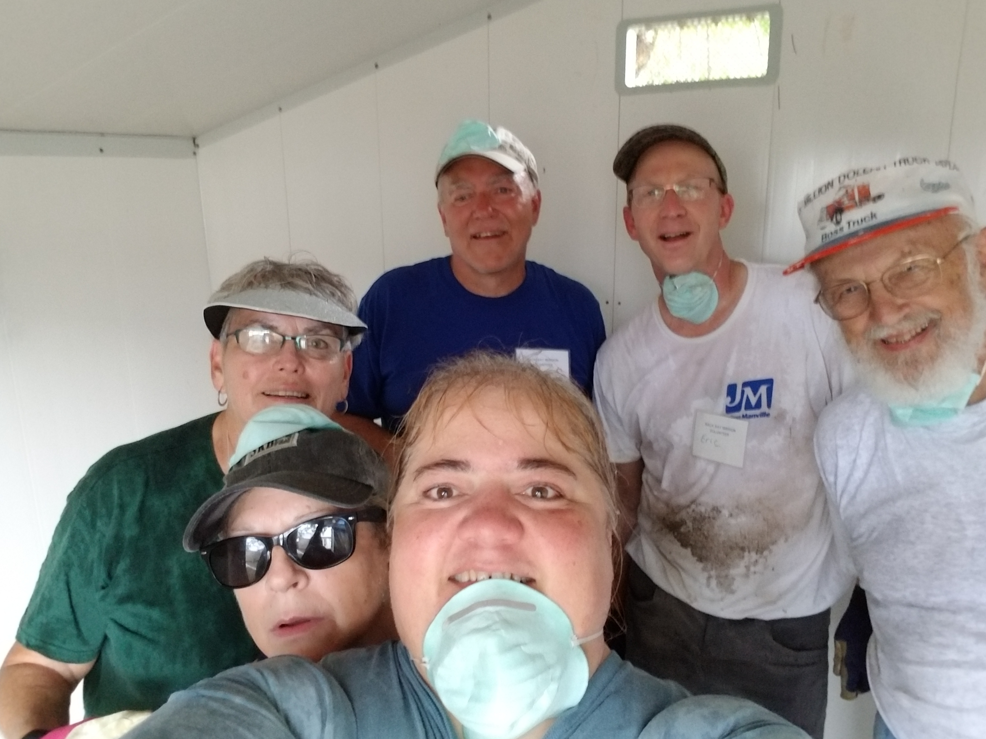 2017 Volunteers: Peace Lutheran Church (Oshkosh, WI) and Dover UCC (Westlake, OH)
